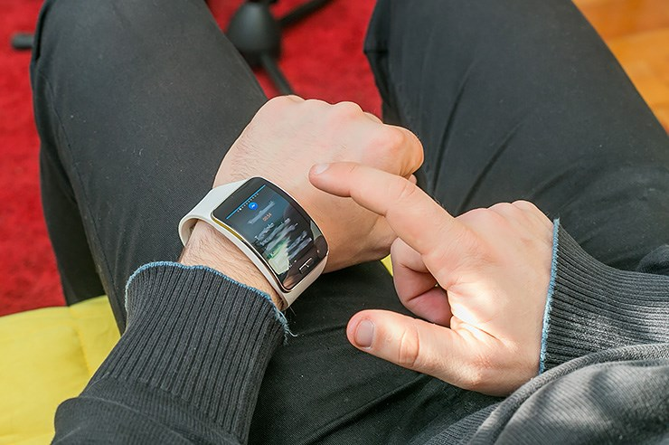 Samsung Galaxy Gear S (19).jpg