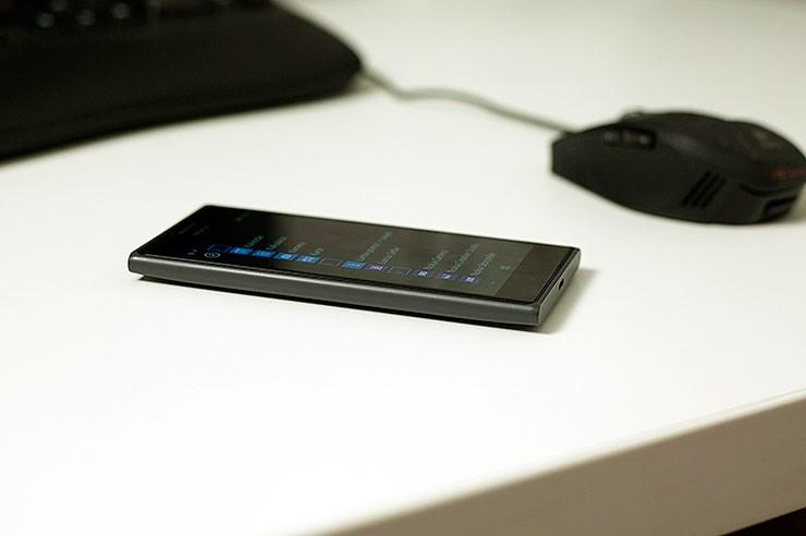 Nokia-Lumia-735-recenzija-iz-ruke-hands-on-review-11.jpg