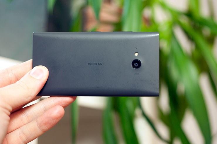Nokia-Lumia-735-recenzija-iz-ruke-hands-on-review-16.jpg
